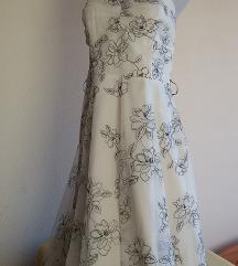 F&F fehér alapon fekete virágmintás ruha, S/M-es