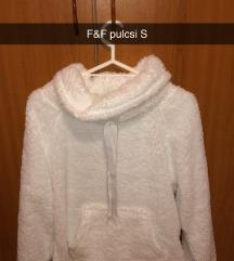 F&F fehér szőrös pulóver s