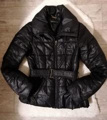 Reserved Xs, de S-es méret átmeneti kabát