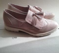 Pùder cipő 41