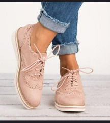 Női tavaszi cipő