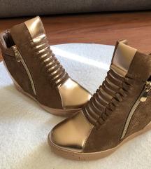 Új cipő 4990 Ft helyett 3490 Ft