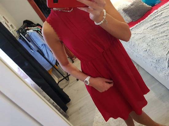 piros ruha