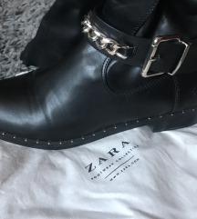 Zara hosszú szárú csizma