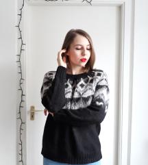Fekete kötött pulcsi