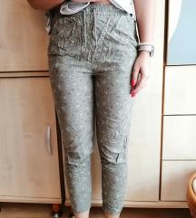 Vékony nyári mintás nadrág
