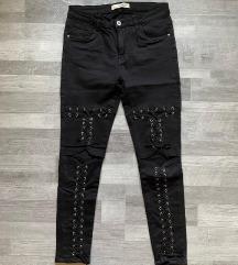 Fekete fűzős nadrág