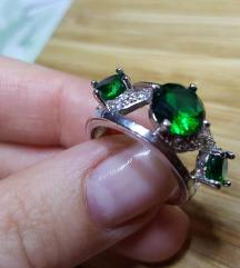 Smaragd hatású köves gyűrű