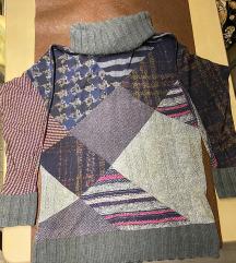 Desigual pulóver