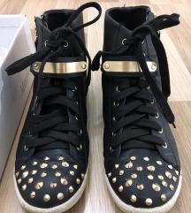 Fekete-arany női cipő