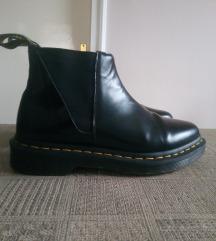 Martens cipő