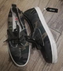 40-es női vászon cipő