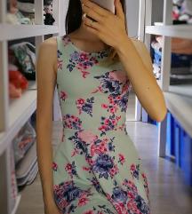 🌺 Gyönyörű virágos menta ruha