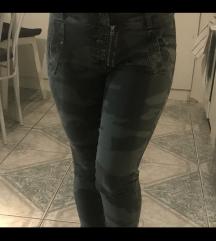 Terepmintás nadrág