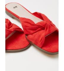 H&M Vadiúj címkés papucs