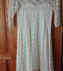 Gyönyörű törtfehér csipke alkalmi ruha