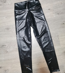 Fekete latex leggings