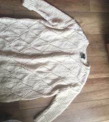 Bő kotott pulcsi