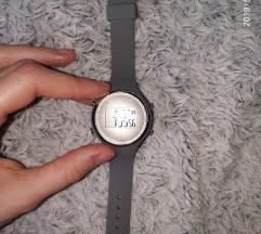 Nora többfunkciós szilikon óra