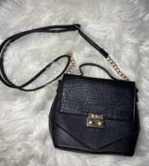 Kis, fekete táska