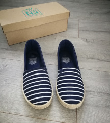 Nylon Red cipő