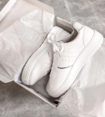 Új 40-es női cipő