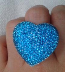 Kék csillogó szív alakú gyűrű