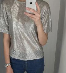 Ezüst színű vékony felső