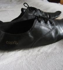 Lapos-fűzős fekete ultrkönnyű cipő 39-40