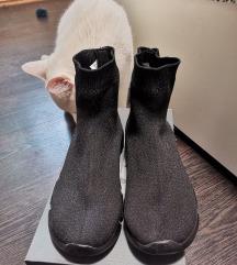Eladó új bundás zokni cipő/csizma