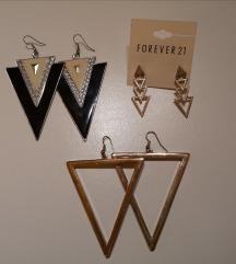 Többféle háromszögalakú fülbevaló