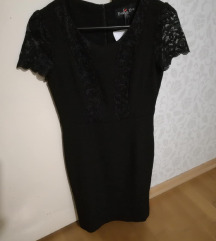 Fekete csipke ruha