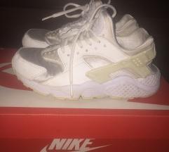 Nike huarache 35