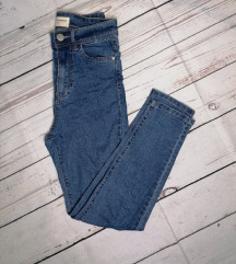 RESERVED HIGH WAISTED JEANS