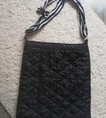 Egyedi táska