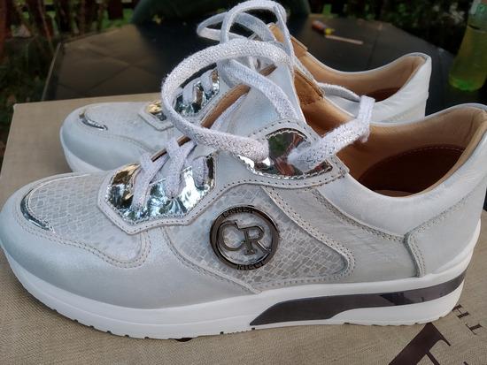 35-ös új, Carla Ricci női cipő