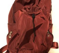 Piros hátizsák