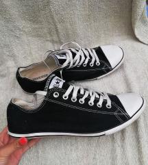 Teljesen új férfi 45-ös Converse cipő