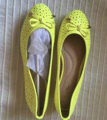 Neonsárga cipő