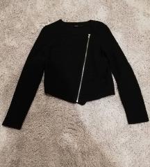 Fekete cipzáras pulcsi