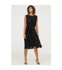 H&M pliszírozott alkalmi ruha (34-36)