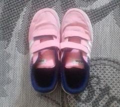 Adidas lányka cipő