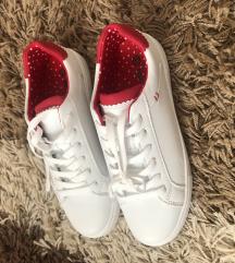 Fehér piros utcai sportcipő