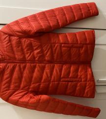 Piros steppelt kabát