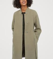 34-es új H&M kabát