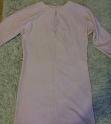 Halvány rózsaszín egyenes szabású ruha