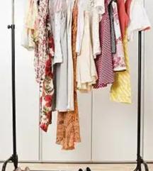 Minden ruházati termék 1000 Ft vagy 1500 Ft!