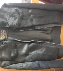 Fekete fiatalos nyúl szőrme kabát