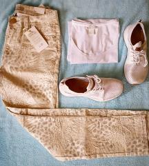 Mintás nadrág