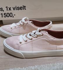 Púderrózsaszín cipő 39
